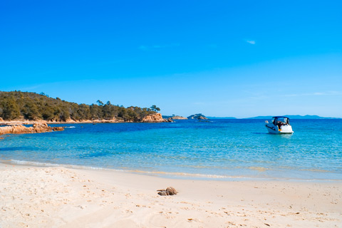 Le lavandou strandurlaub an der c te d azur ferienhaus for La table saint raphael